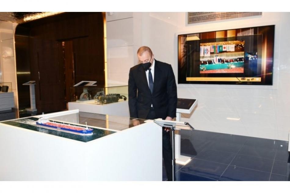 Президент Ильхам Алиев принял участие в открытии нового административного здания Азербайджанского Каспийского морского пароходства