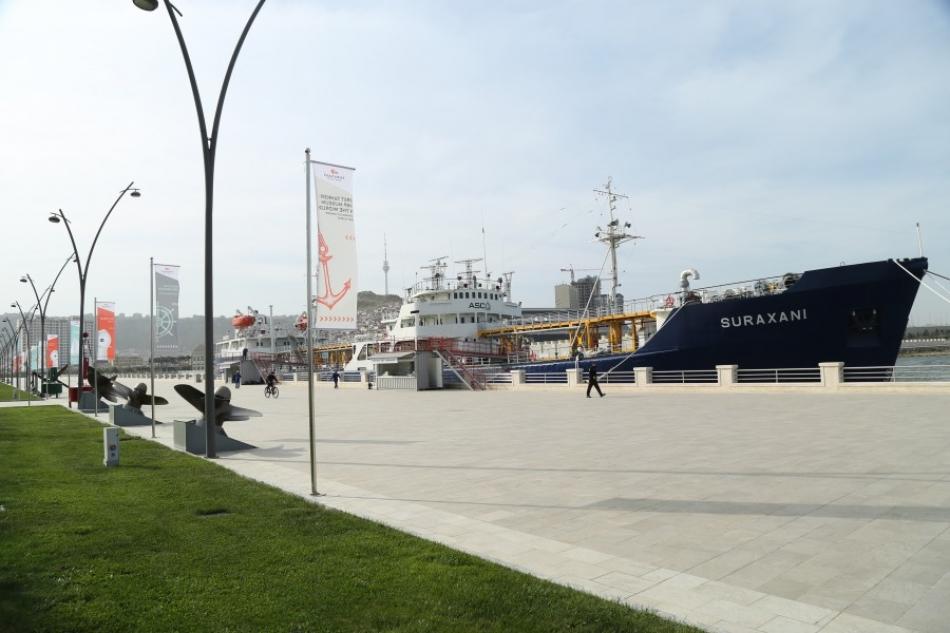 Корабль-музей «Сураханы» откроет свои двери для посетителей