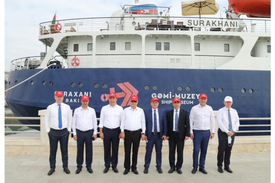 """Representatives of TITR member countries visited the """"Surakhani"""" museum ship"""